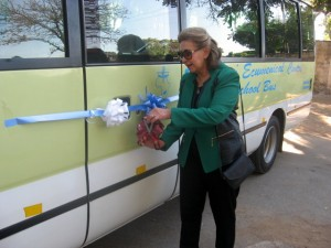 Mrs Dil cuts the ribbon